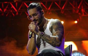 Maluma llora en pleno concierto en México
