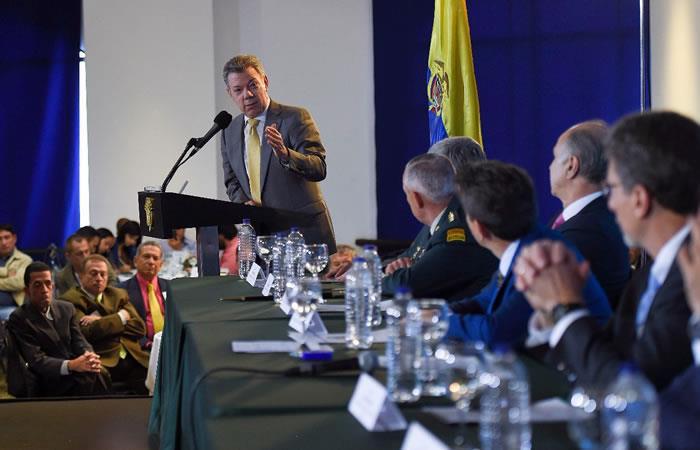 Santos firma decreto para recortar $4 billones en presupuesto de 2018