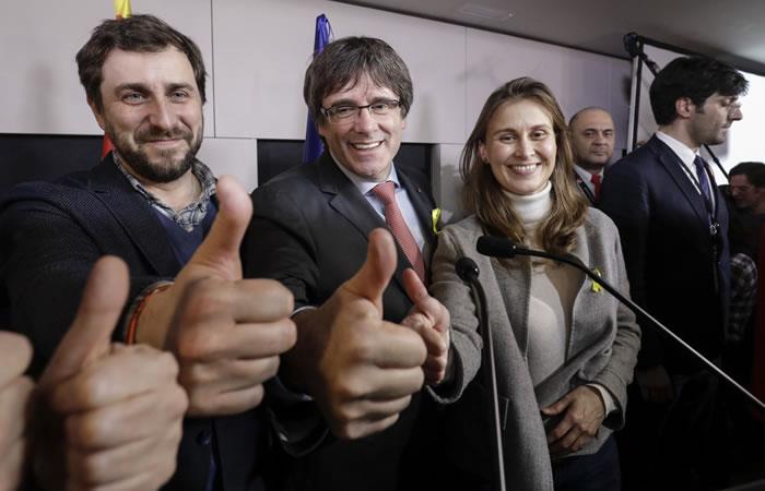 El líder catalán en el exilio, Carles Puigdemont durante una reunión por las elecciones en la región de Cataluña. Foto: AFP