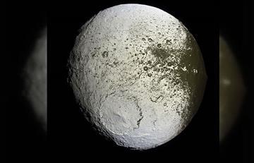 Jápeto: ¿La Luna de dos colores?