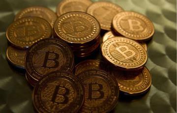 El bitcoin se desploma después de tocar el cielo