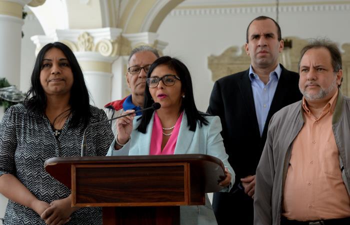 Venezuela ya liberó 36 opositores de un grupo de 80 por Navidad