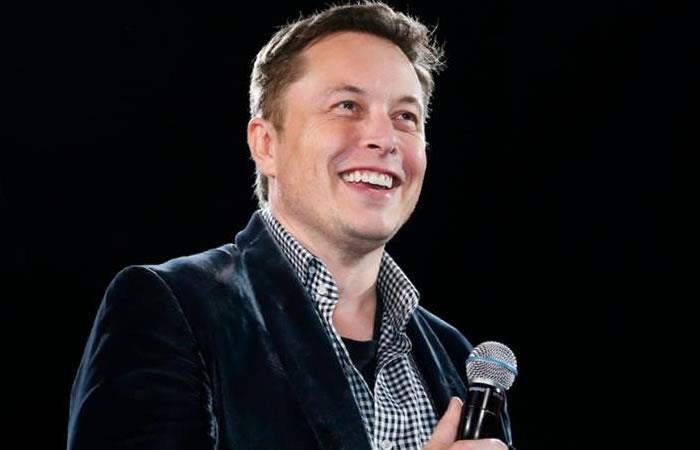 Elon Musk 'admite' que es un marciano