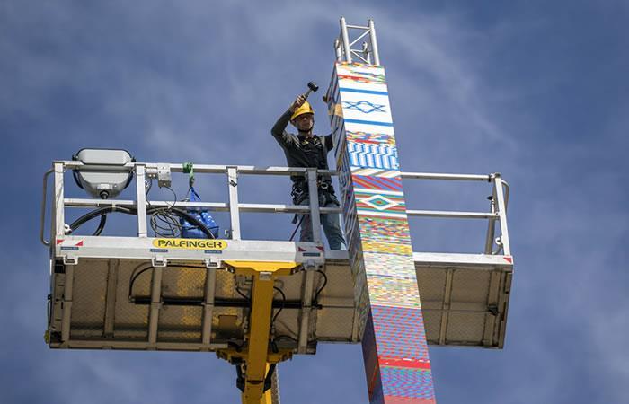Israel: Construyen una torre de 36 metros de altura con piezas de Lego