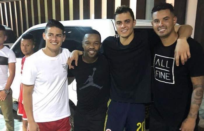 James Rodríguez y la foto de fin de año con sus panas de la selección Colombia