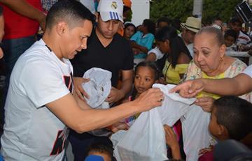 Jorge Celedón cumplió sueños de Navidad a niños de la Guajira