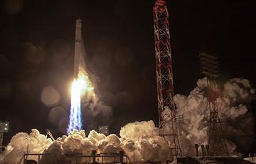 Rusia: Logra restablecer el contacto con satélite angoleño