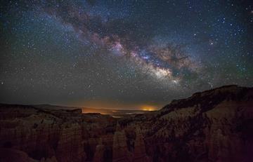 Misteriosa estrella oscurece por polvo cósmico, no una megaestructura alienígena