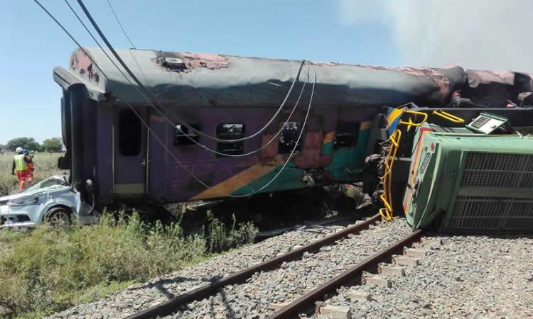 Accidente de tren en Sudáfrica deja varios muertos y heridos