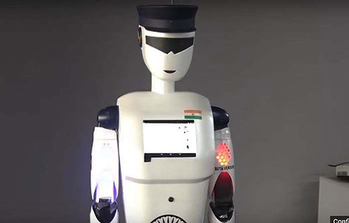 Video: Presentan el primer robot policía inteligente del mundo