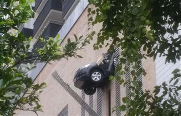 Medellín: En edificio de Envigado una camioneta atravesó un muro de ladrillos
