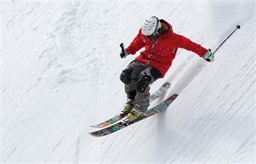 Desaparece un esquiador por la nieve en los Alpes