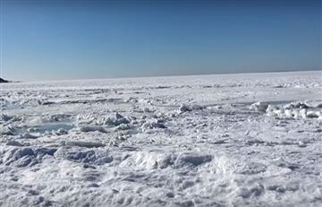 EE.UU: El Océano Atlántico se congela por la ola de frio intenso