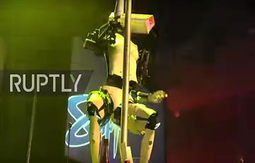 Video: Sexis robots 'strippers' causan sensación en Las Vegas