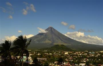 Alerta en Filipinas por erupción de volcán