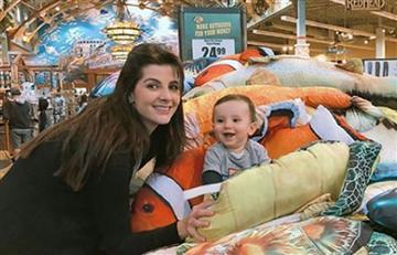 Carolina Cruz enamora con foto amamantando a su hijo