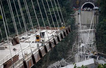 Video: Captan el momento en que cayó el puente Chirajará