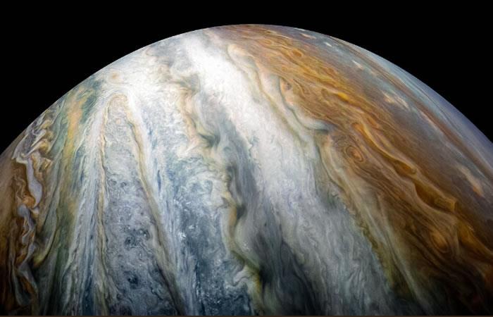 NASA comparte imágenes de los coloridos cinturones de nubes en Júpiter