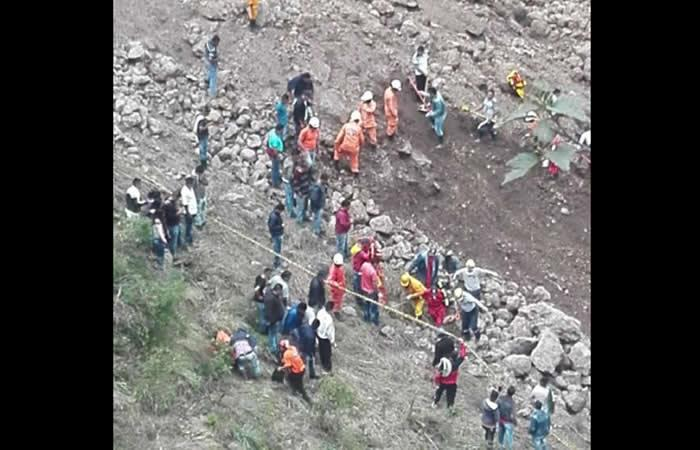 Nariño: Reanudan rescate de víctimas del deslizamiento
