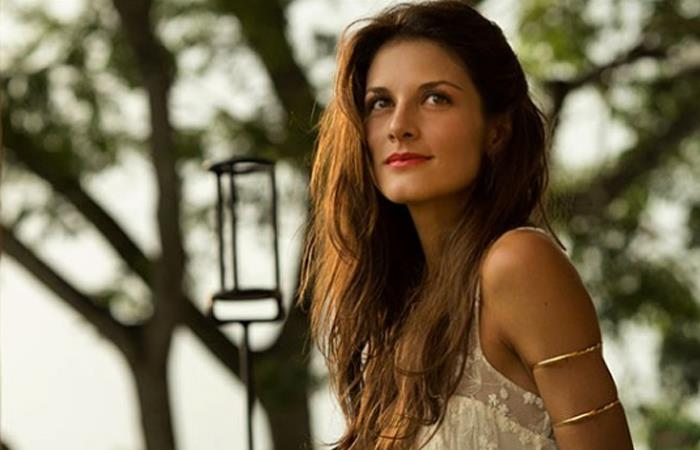 Natalia Jerez desnuda muestra la evolución de su embarazo
