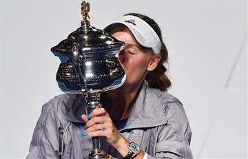 Wozniacki venció a Halep y se coronó campeona en el Abierto de Australia