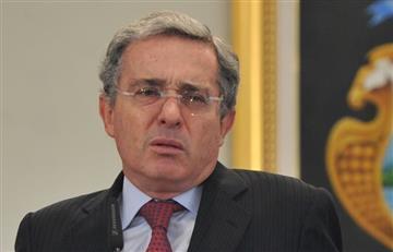 FARC denunció a Álvaro Uribe por cuatro delitos