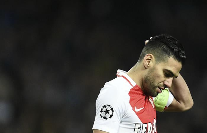 Falcao marcó, pero salió lesionado ante el Lyon