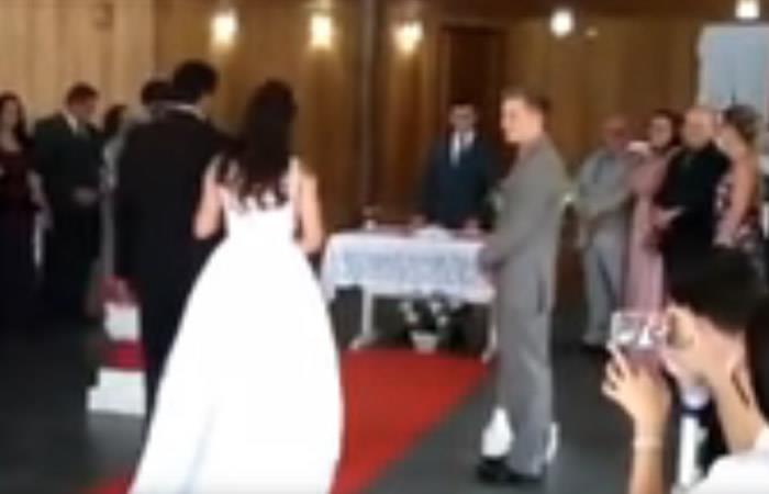 Video: Inesperados gemidos interrumpen una boda en Brasil