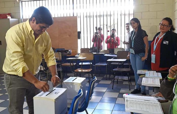 Cierran mesas de votación en presidenciales de Costa Rica