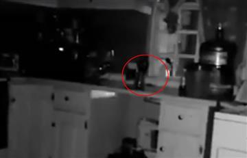 Video: Captan escalofriante escena de actividad paranormal en una cocina