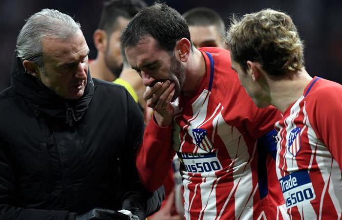 Video: El brutal golpe que le destrozó los dientes a Diego Godín
