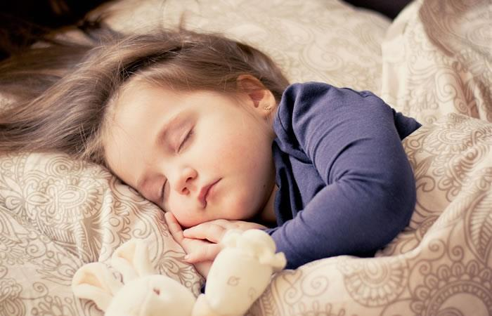 ¿Cuáles son los beneficios de las siestas en los niños?