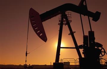 El petróleo sufre su caída semanal más fuerte en dos años