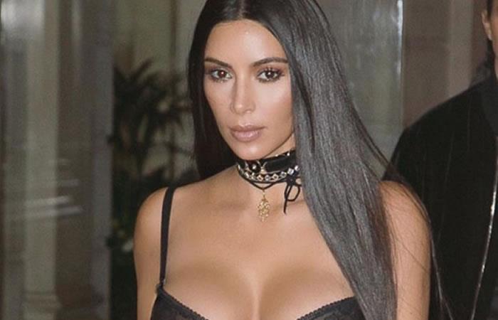 Kim Kardashian fuente de críticas por polémica foto en topless