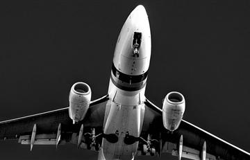 Avión con 71 personas a bordo se estrelló a las afueras de Moscú