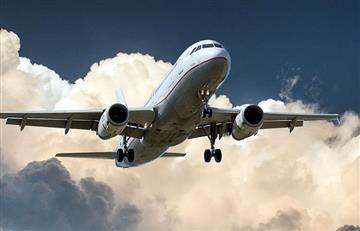 Los 71 ocupantes del avión que se estrelló en Moscú habrían muerto