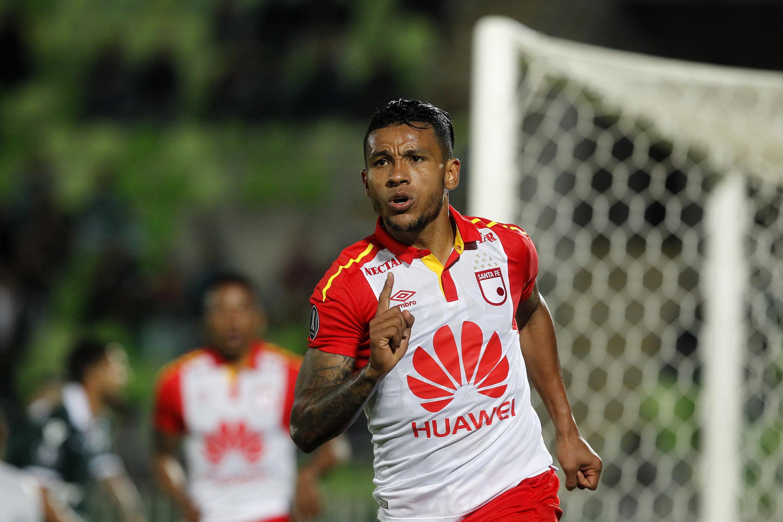 Libertadores: Santa Fe saca ventaja en su visita a S. Wanderers y lo espera en Bogotá
