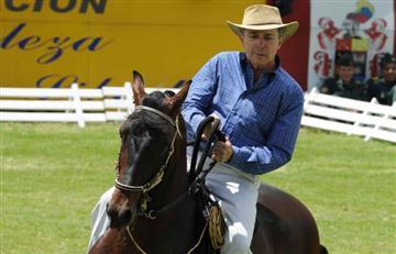 ¿Quiere ganarse un caballo de Uribe? Esto vale la boleta de la rifa