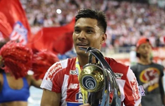 Teófilo Gutiérrez genera controversía tras subir una imagen con Leonel Messi