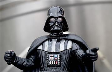 Elon Musk muestra curioso electrodoméstico con forma de casco de Darth Vader
