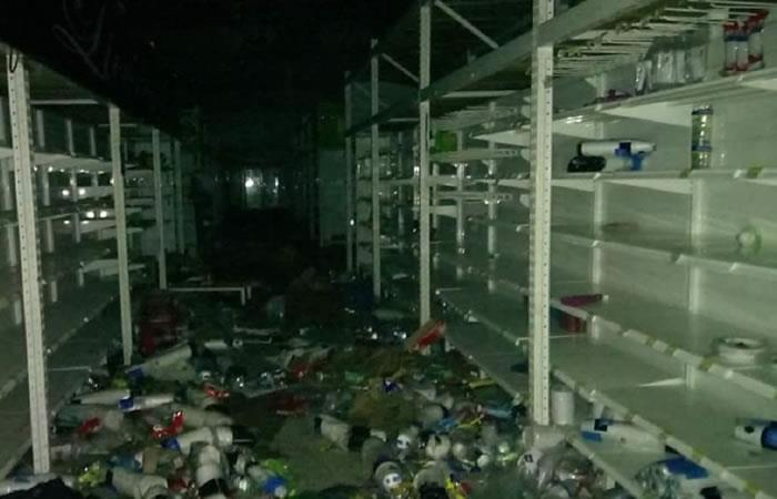 Supermercados relacionados con la FARC fueron saqueados en Melgar