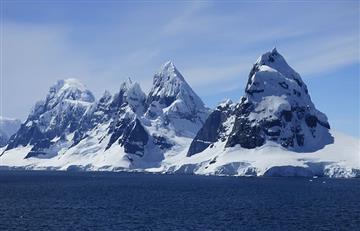 Científicos salen a explorar nuevo y misterioso ecosistema antártico