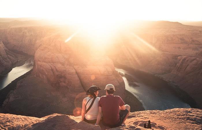 Las parejas que viajan juntas tienen mejor intimidad, según estudio