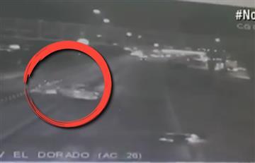Taxista mató a un motociclista y ladrones aprovecharon para robar en Transmilenio