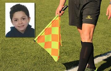 Niño pide disculpas a un árbitro por el comportamiento de su padre en las gradas