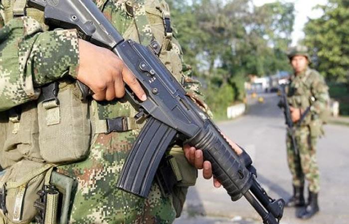 Un policía muerto en ataque atribuido a disidencias de FARC en Colombia
