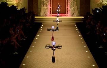 Dolce & Gabbana: Drones reemplazan a modelos en las pasarelas de Milán