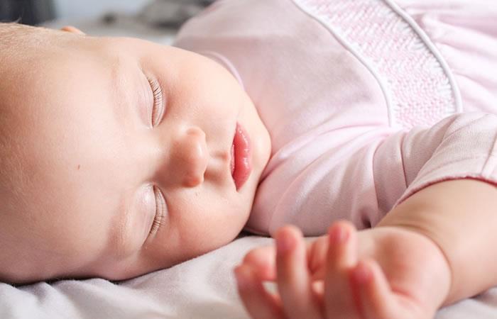 Dormir es un 'alimento' para el bebé