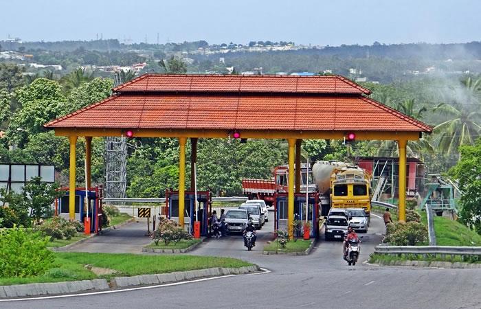 Gobernador de Antioquia propone cobro de peaje para motos
