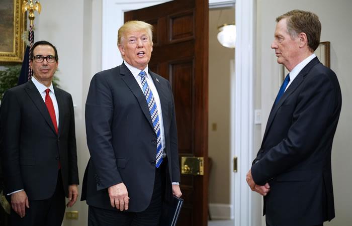 Pese a las advertencias sobre guerra comercial, Trump grava el acero y el aluminio